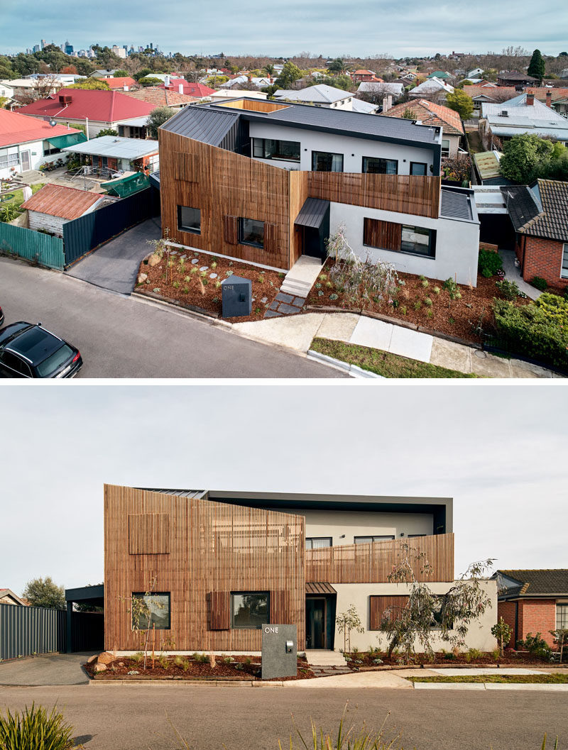 STAR Architecture have recently completed a new modern house in Melbourne, Australia, that has a timber screen on the facade to soften the solid rendered walls behind. #WoodScreen #WoodFacade #WoodSlat #ModernHouse #Architecture