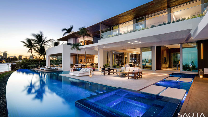SAOTA have recently completed a new modern house in Miami, Florida, that sits on Dilido Island, and hasviews of the islands, downtown, and South Beach. #ModernHouse #SAOTA #ModernArchitecture