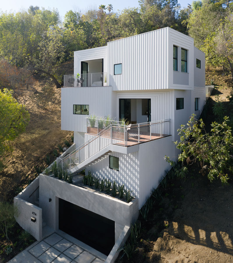 FreelandBuck Designs, in collaboration with developer Urbanite Homes, have designed the 'Stack House', a modern multi-level home in Los Angeles. #Architecture #ModernHouse