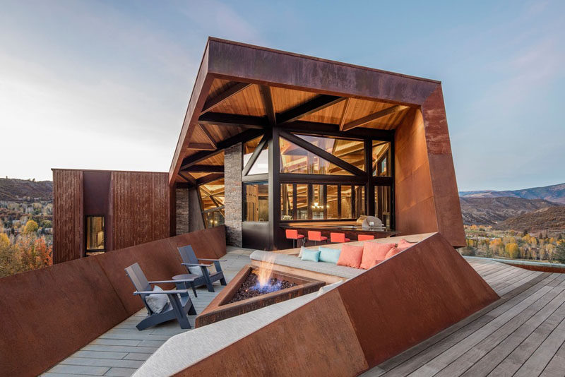 Skylab have designed the Owl Creek Residence, a single shared, stand-alone home in Snowmass, Colorado, that was built for two families. #ModernHouse #Architecture #HouseDesign