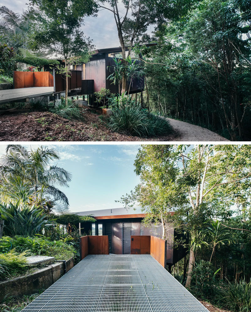 Harley Graham Architects have designed a small and modern guest pavilion in Australia, that's somewhat concealed from view by the surrounding rainforest.#GuestHouse #ModernArchitecture