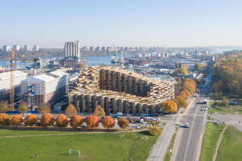 Bjarke Ingels' architecture firm BIG, have recently completed '79&Park', a residential building in Stockholm, Sweden, that sits on the edge ofGärdet, a national park. #Architecture #ModernBuilding #ResidentialBuilding