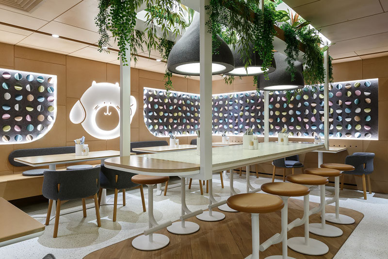 Marat Mazur Interior Design have recently completed BAO MOCHI, a new and modern restaurant in Saint Petersburg, Russia, that serves light steamed buns and mochi cakes, and has an interior inspired by Asian food and culture. #InteriorDesign #RestaurantDesign #ModernRestaurant