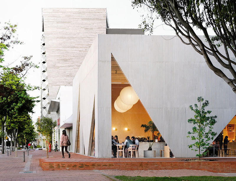 Studio Cadena has recently completed the design of Masa, a new restaurant that occupies a corner along a main avenue in Bogota, Colombia. #ModernRestaurant #Architecture
