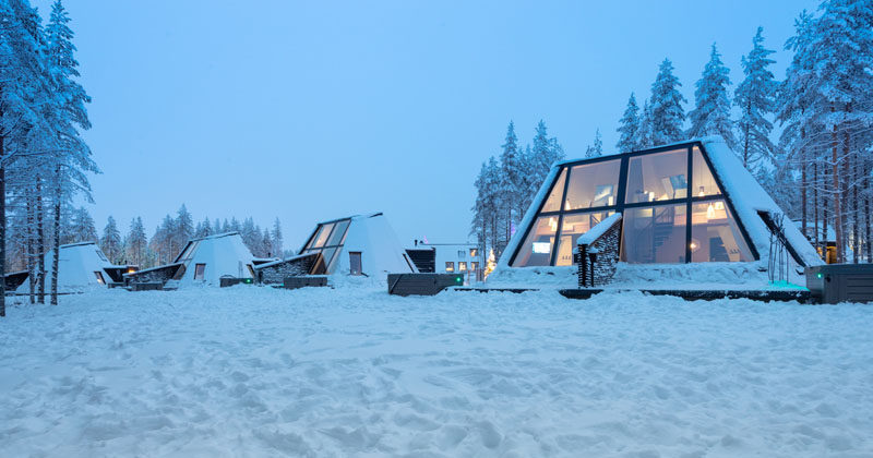 Finnish-Italian architecture office VOID Architecture and Finnish timber house manufacturer Honkatalot/PolarlifeHaus have developed the Glass Resort, a winter holiday destination in Rovaniemi, Finland. #Resort #WinterResort #Hotel #Architecture