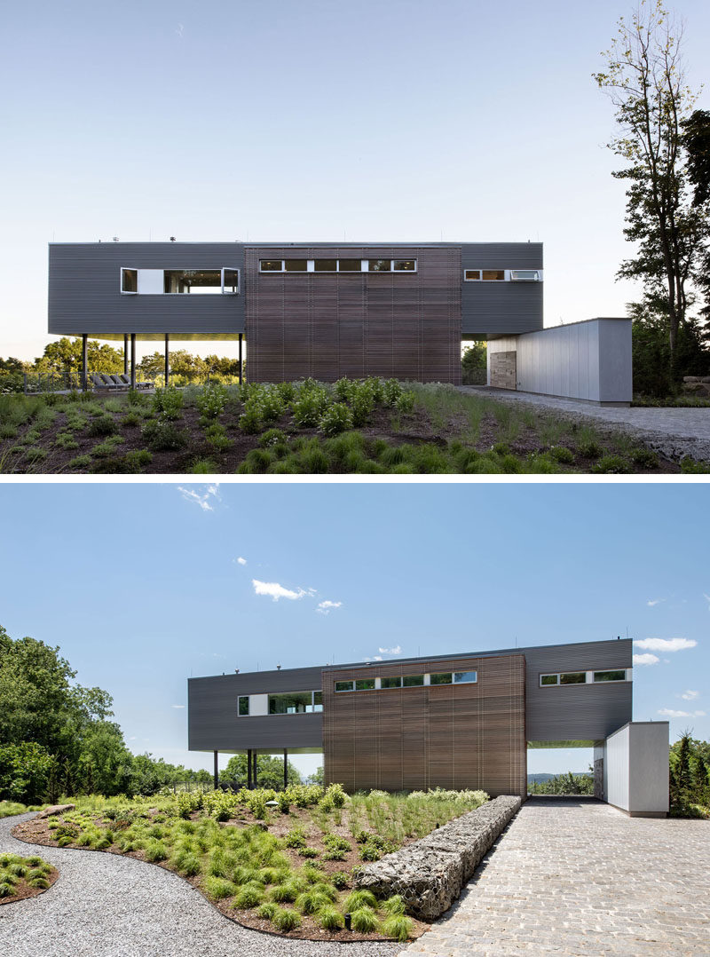 This modern house was designed for clients who wanted a compact home that would take advantage of the views and be equipped with just enough space for two. #ModernHouse #Landscaping #ModernArchitecture