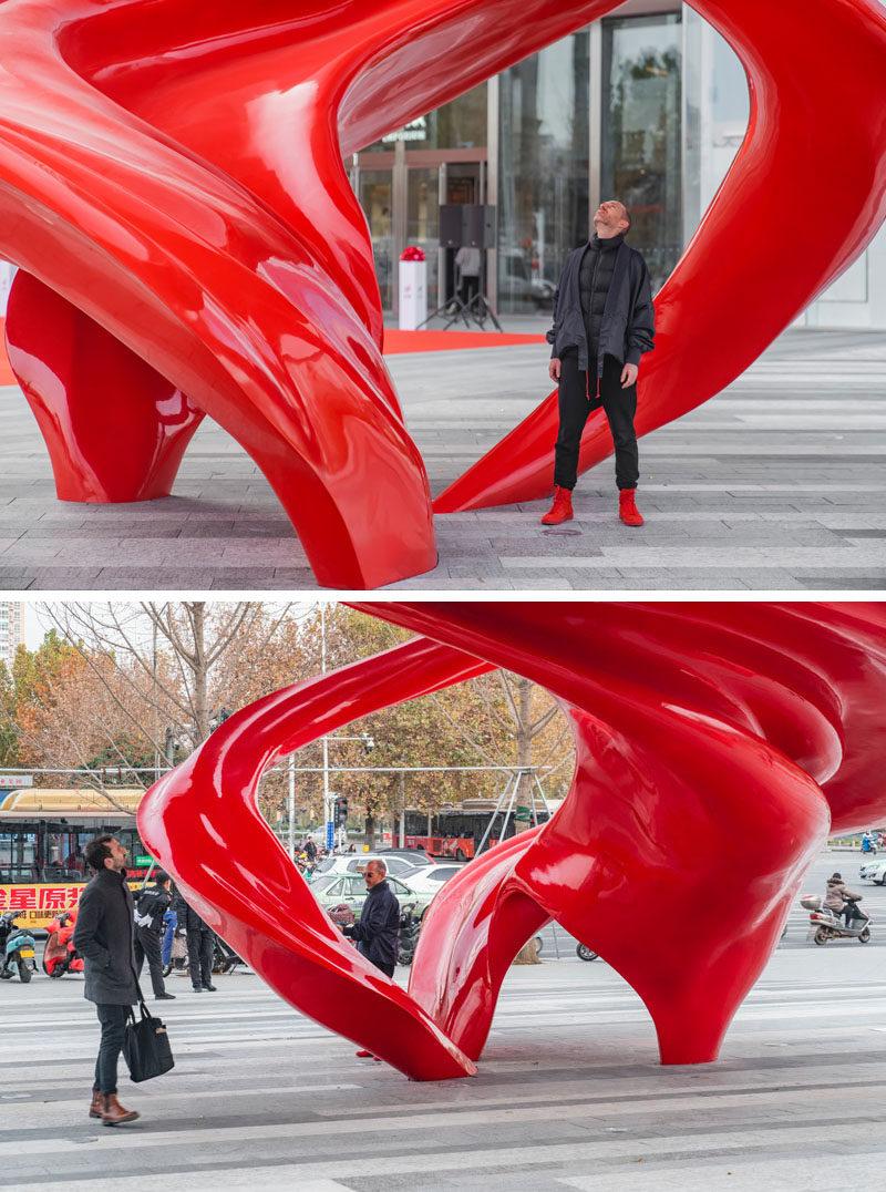 Australian artist Christian de Vietri, has created 'Between Heaven and Earth', an modern public sculpture that's located in Zhengzhou, China. #Sculpture #Design #Art