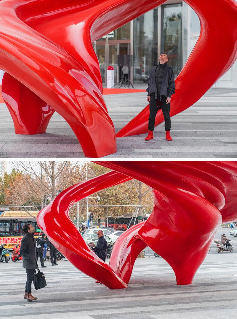 Australian artist Christian de Vietri,has created 'Between Heaven and Earth', an modern public sculpture that's located in Zhengzhou, China. #Sculpture #Design #Art