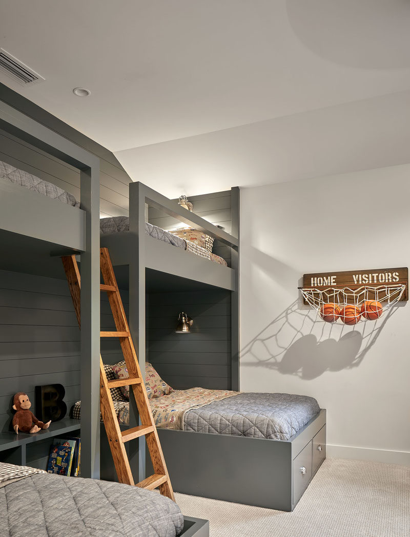 In this kids bedroom, four beds have been built-in to the room, making use of the high ceiling. #KidsBedroom #BunkBeds