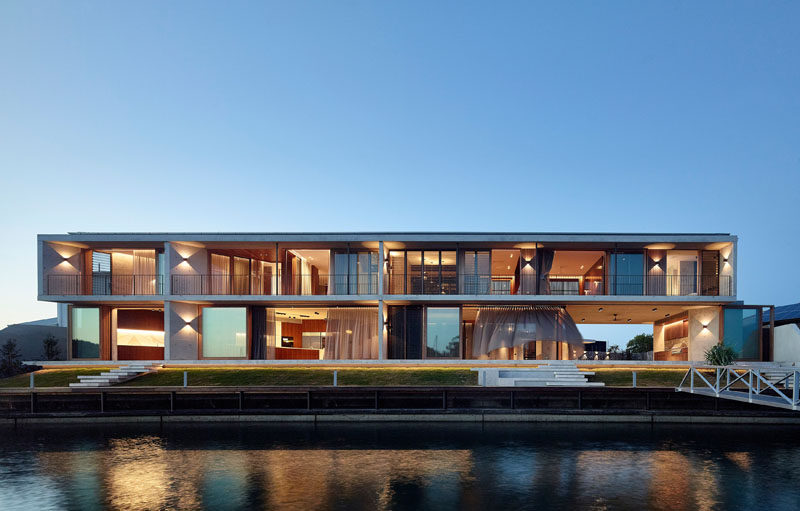 Shaun Lockyer Architects (SLa) have completed a modern waterfront house on the Sunshine Coast in Queensland, Australia, that makes the most of indoor/outdoor living. #ModernHouse #HouseDesign #Architecture