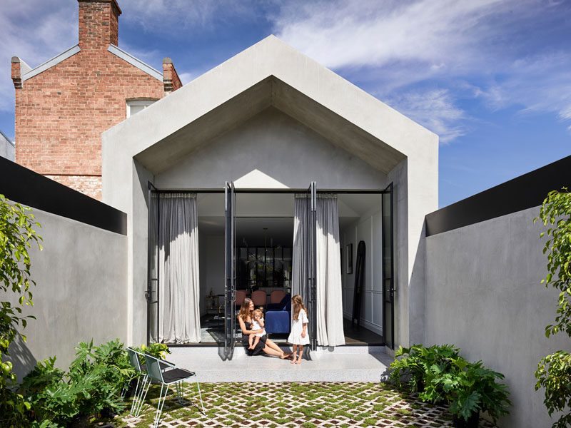 Design studio Biasol, has completed a modern extension and the interior renovation of a Victorian-era home in Melbourne, Australia. #Architecture #ModernExtension