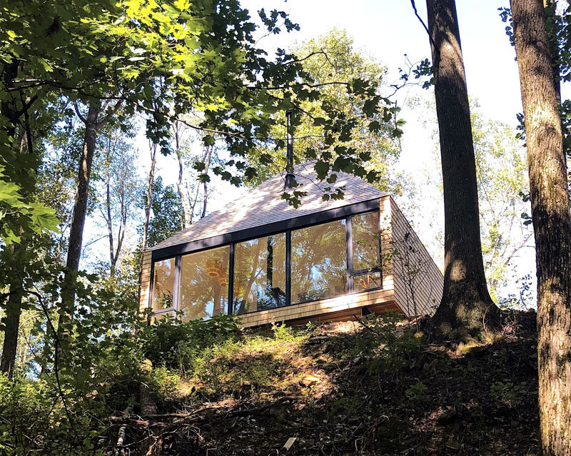 Architecture and interior design studio Midland, has designed a 600 square foot, off-grid cabin, located on a family farm in Belmont County, Ohio. #Architecture #ModernCabin #OffGrid