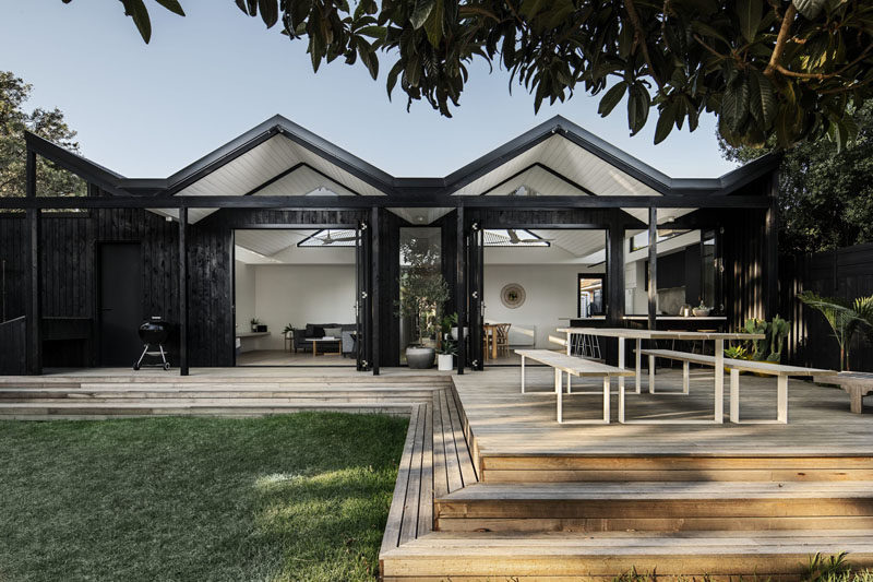 Megowan Architectural has recently completed a modern 'pleated' extension to a single-storey weatherboard house in Melbourne, Australia. #ModernExtension #HouseExtension #Architecture