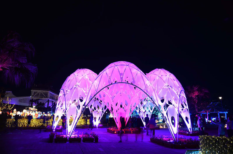 Designed for the 2019 Taiwan Lantern Festival, this modern light installation was inspired by sea coral and it's lifespan. #LightInstallation #Design