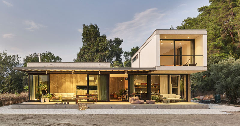 PIN Architects Have Designed A Home Of Concrete And Glass In Turkey