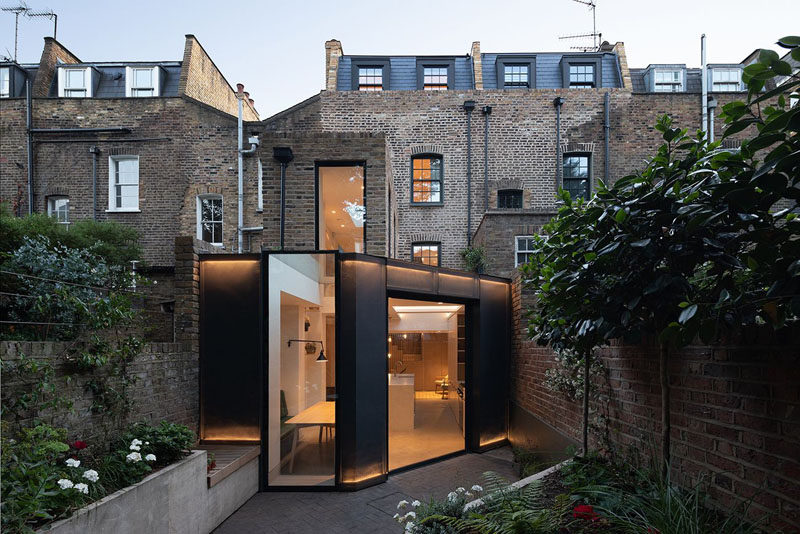 Architecture firm Fraher & Findlay have designed the contemporary interior renovation of a house in London, England, as well as a rear extension that creates additional living space. #ModernArchitecture #RearExtension