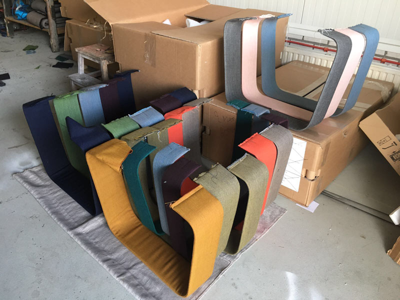'MAKING OF' - Max Lipsey has created the Woven Bench, that makes use of colorful upholstered strips of metal to create a modern bench. #ModernFurniture #ModernBench #ModernSeating