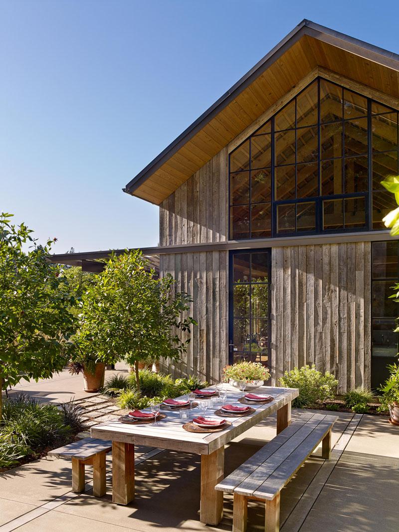 Modern Farmhouse Outdoor Dining 090719