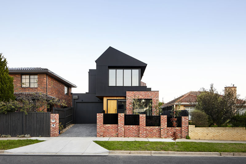 Shou Sugi Ban And Recycled Brick Make This Australian House Stand Out