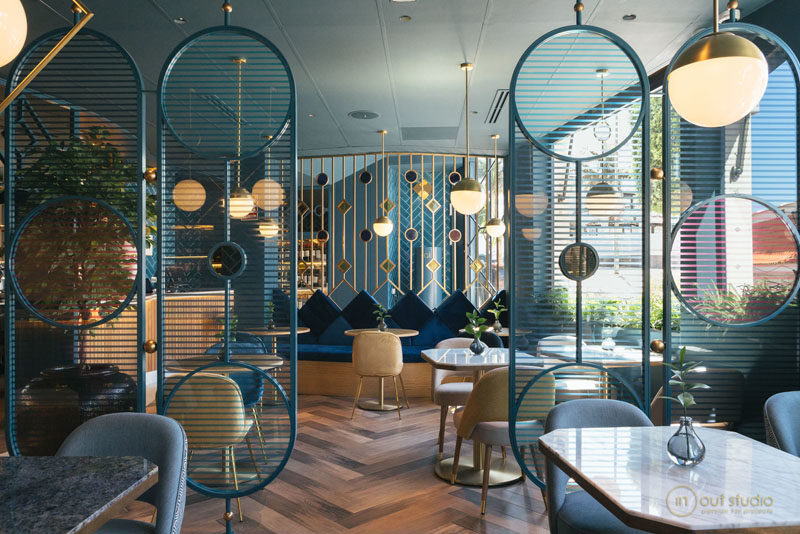 Design Detail Room Dividers In This Restaurant Help To