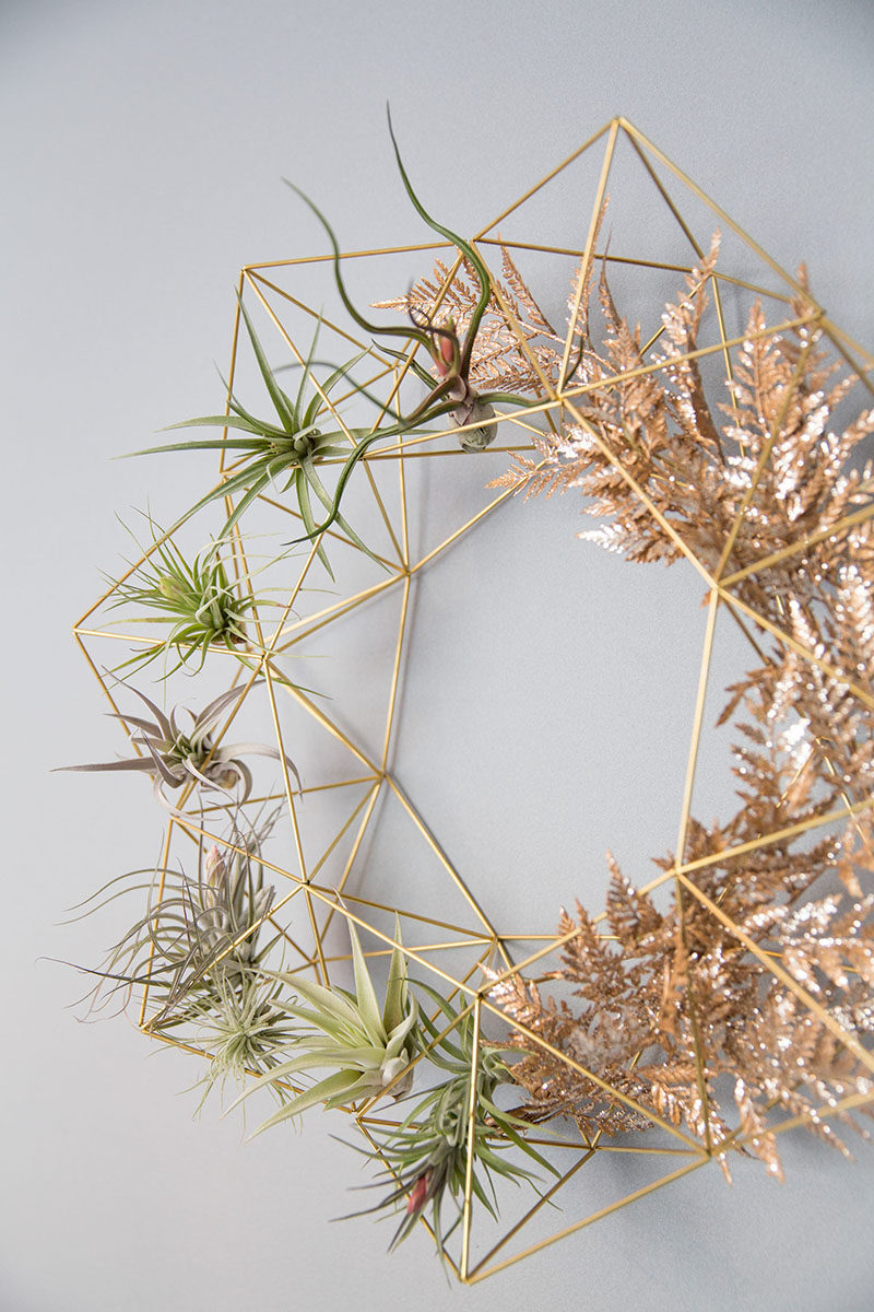 Decor Ideas - Lana Rouse of himmelilana, has designed a modern geometric wreath that can be easily changed up with the seasons or be used as an decorative item to showcase air plants. #DecorItems #ModernDecor #ModernWreath #GeometricDecor #AirPlantHolder