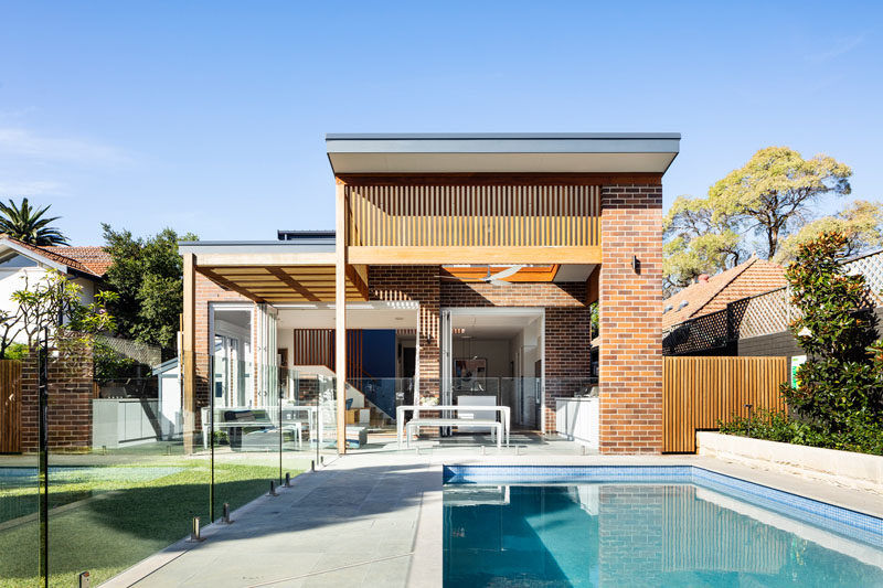 Bijl Architecture has designed a modern extension for the 'Lacuna House', that's located in Sydney, Australia. #ModernHouseExtension #HouseAddition