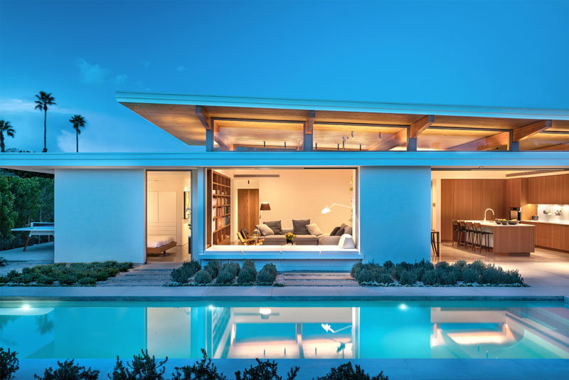 Turkel Design has recently completed the Axiom Desert House, a modern house in Palm Springs, California, that draws inspiration from mid-century design. #ModernHouse #HouseDesign #Architecture
