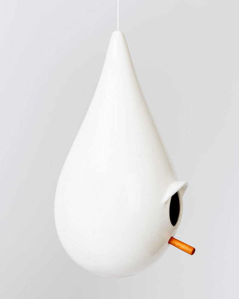 Romney Shipway of Canadian-based SHIPWAY Living Design, has created a modern birdhouse that's made from porcelain. #ModernBirdhouse #Birdhouse