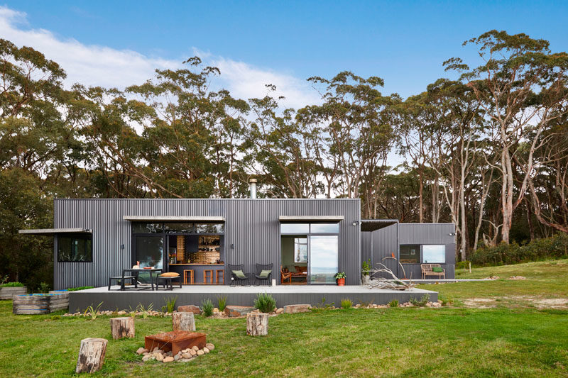 Australian architecture firm Archiblox, has designed and built a small, off-the-grid holiday home in Fish Creek, Victoria. #ModernHouse #ModernArchitecture #AustralianArchitecture