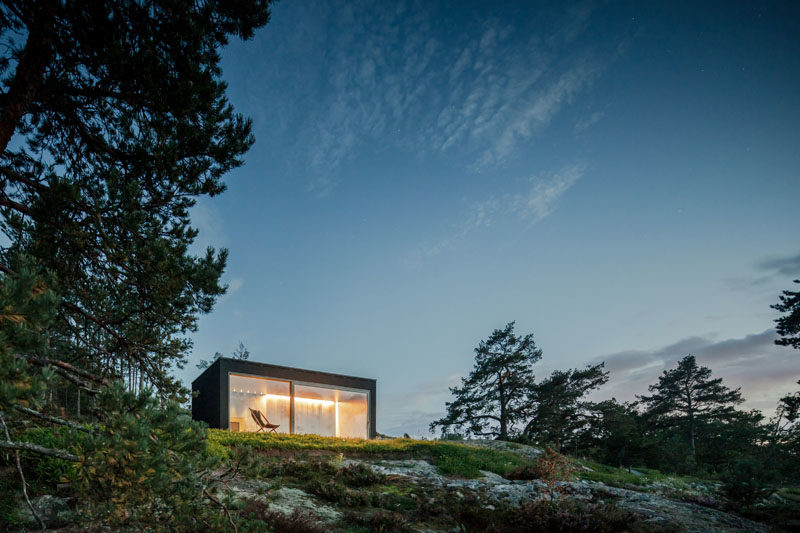 Architecture firm Matteo Foresti has designed a modern sauna that sits above Stockholm's archipelago. #Sauna #ModernSauna #Architecture #BuildingDesign #ModernArchitecture