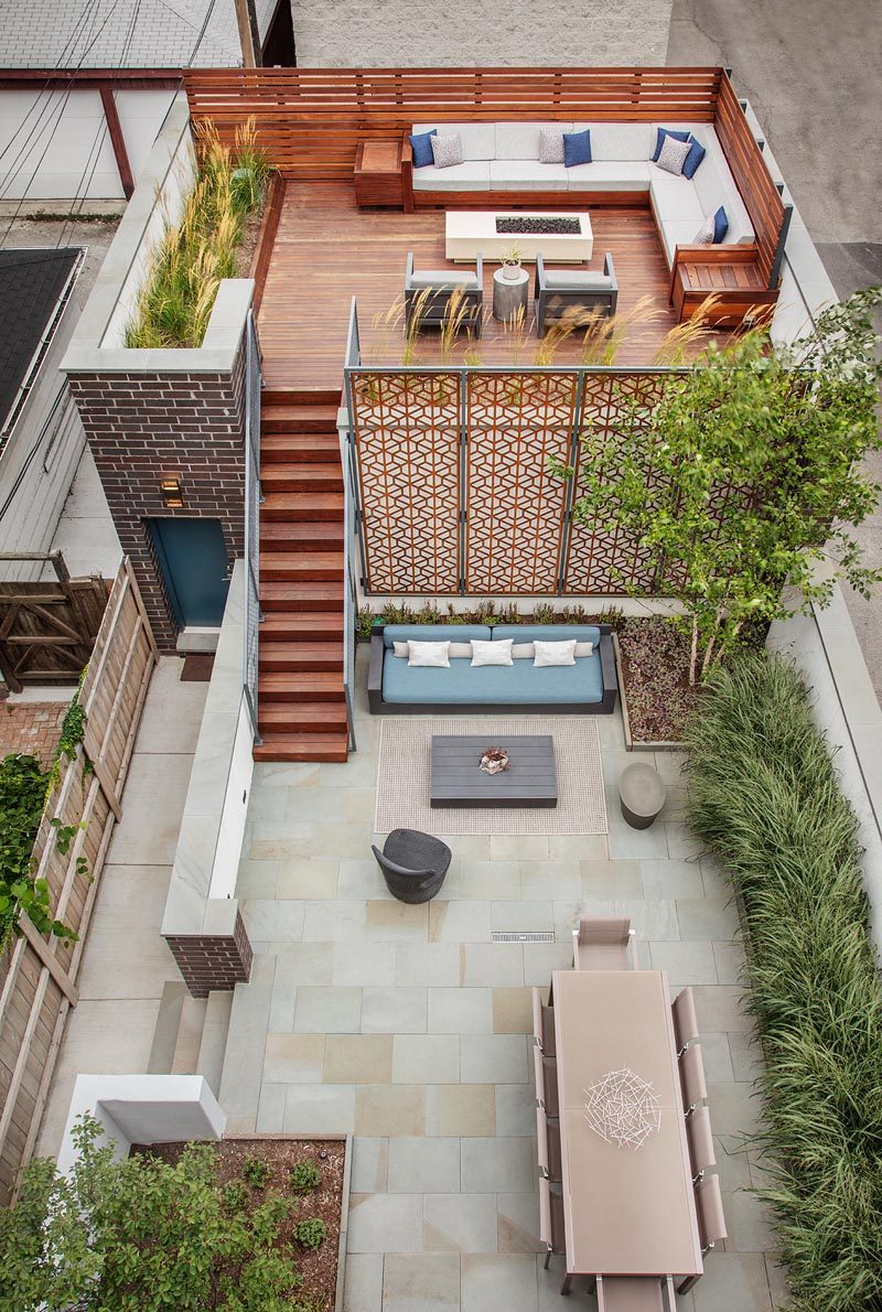 Chicago based Mia Rao Design and Blender Architecture have collaborated to created a modern outdoor environment with different 'rooms'. #YardIdeas #BackyardIdeas #Terrace #Landscaping #MultiLevelOutdoorSpace #OutdoorSpace