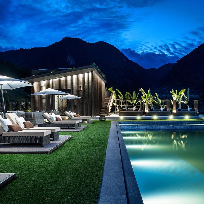 Convolo Swimming Pool by Taylor Cheng.