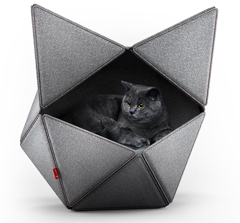 The modular form of this modern cat bed enables personalization, reconfiguration, and easy maintenance. #ModernCatBed #CatBed #PetFurniture