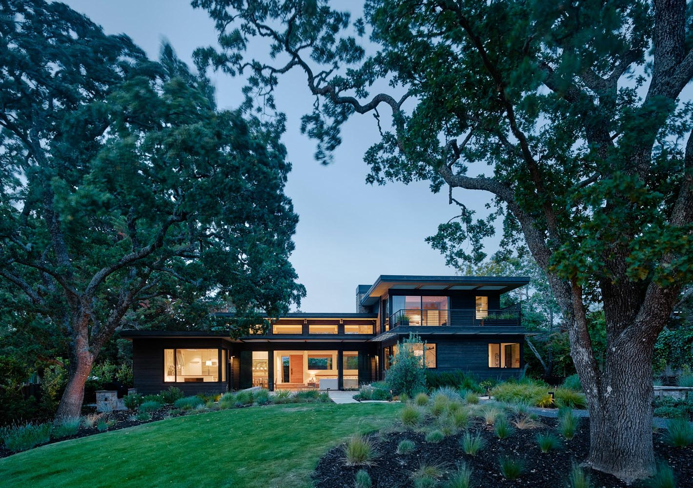 The Dark Exterior Of This House In California Hides A Bright Interior