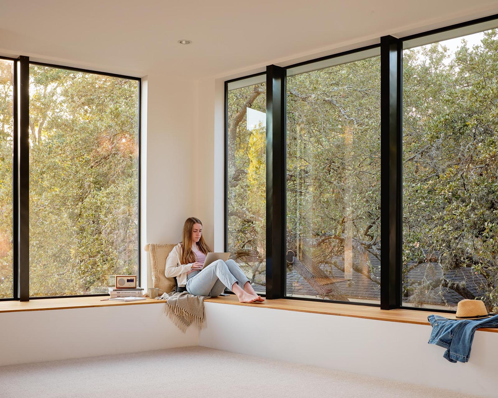 Large windows with a built-in window bench.