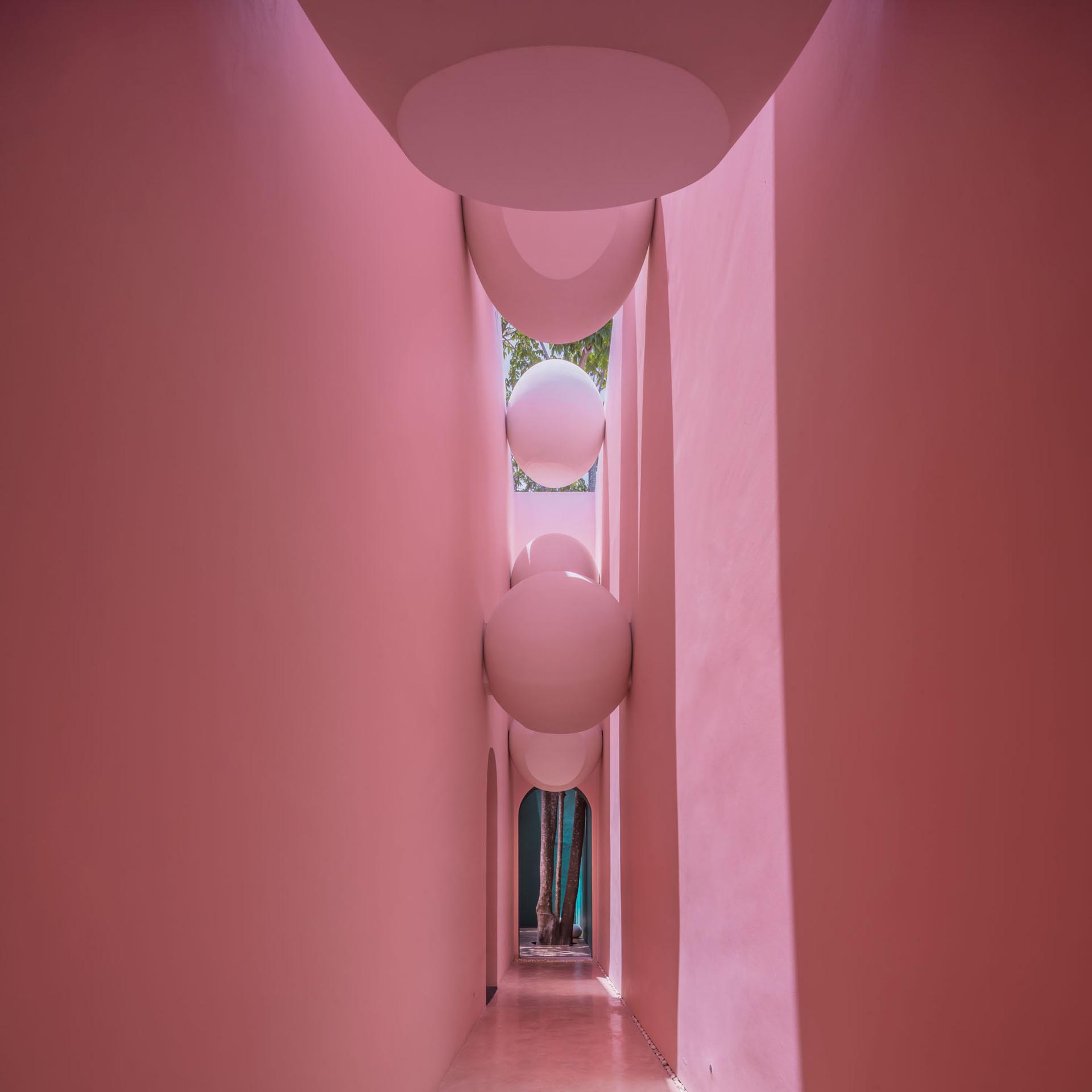 Light pink walls in a hotel spa.