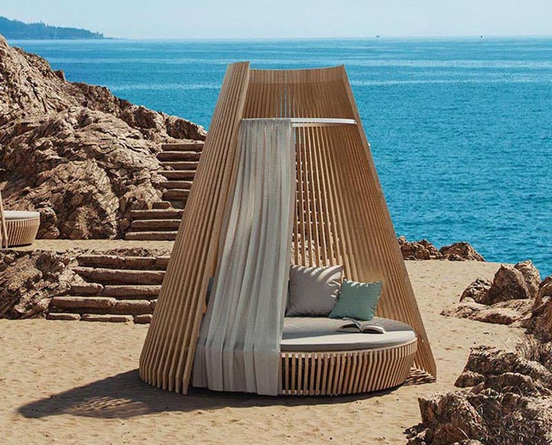 'Hut', a new outdoor furniture design that's made to feel like a welcoming and comfortable nest.