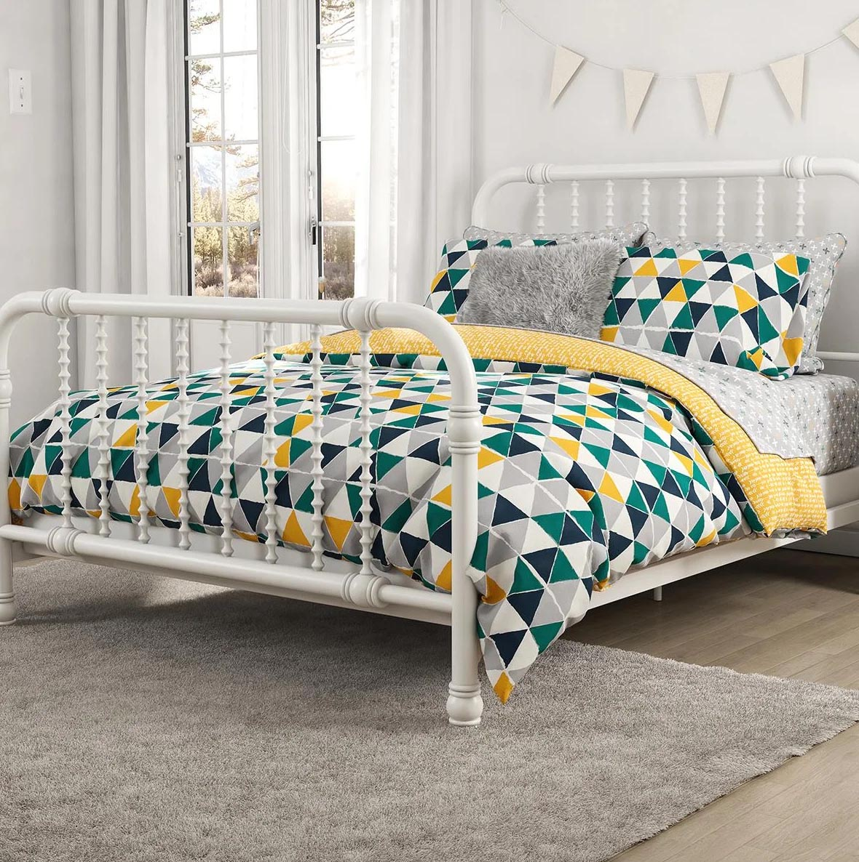 Modern Bedroom Decor - Colorful geometric bedding.