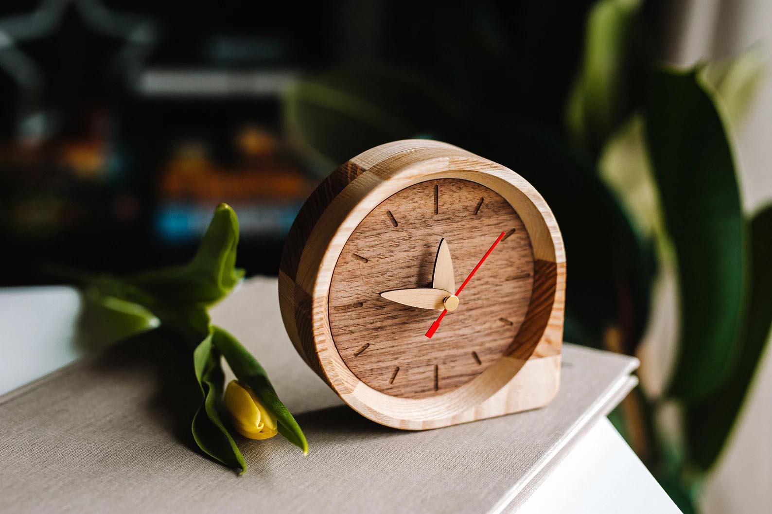 Modern Gift Ideas - Wood desk clock.